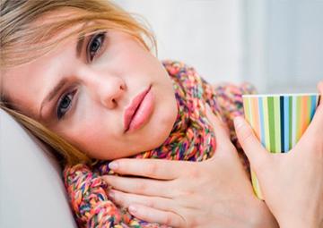 Герпесная ангина у взрослых (тонзиллит): лечение, симптомы, причины